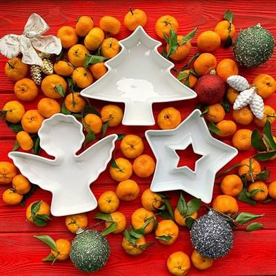 """Фарфоровый набор новогодних тарелочек """"Елочка, ангел, звезда"""" - фото 8587"""